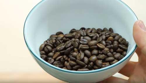 KoMo Coffee grinding